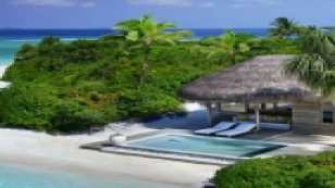 Lagoon Beach Villa with Pool
