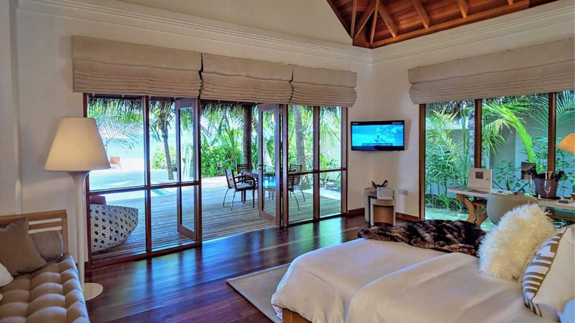 Lagoon Bungalow with Plunge Pool