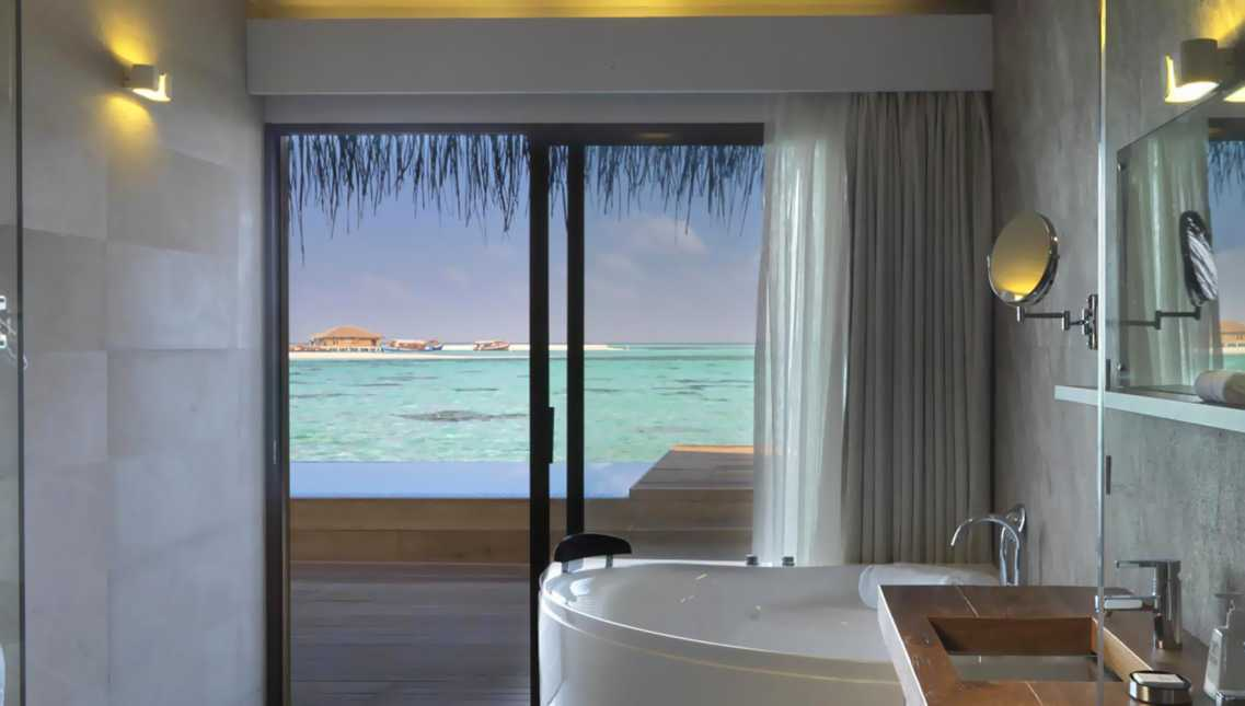 Lagoon Suite with Pool